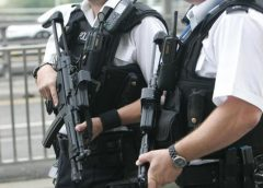 英国一名14岁男孩朝老人咳嗽 因涉嫌袭击被逮捕