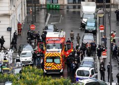法国巴黎传出凶嫌持刀攻击事件 导致4人受伤