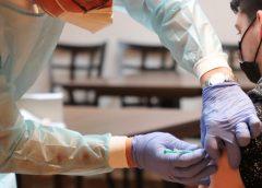 法国一些行业可能要求强制接种疫苗