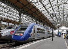 法国巴黎郊外铁路工地事故致人死亡 列车受阻