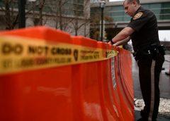 在亲人包里发现一把手枪 美国一名2岁男童扣动扳机身亡